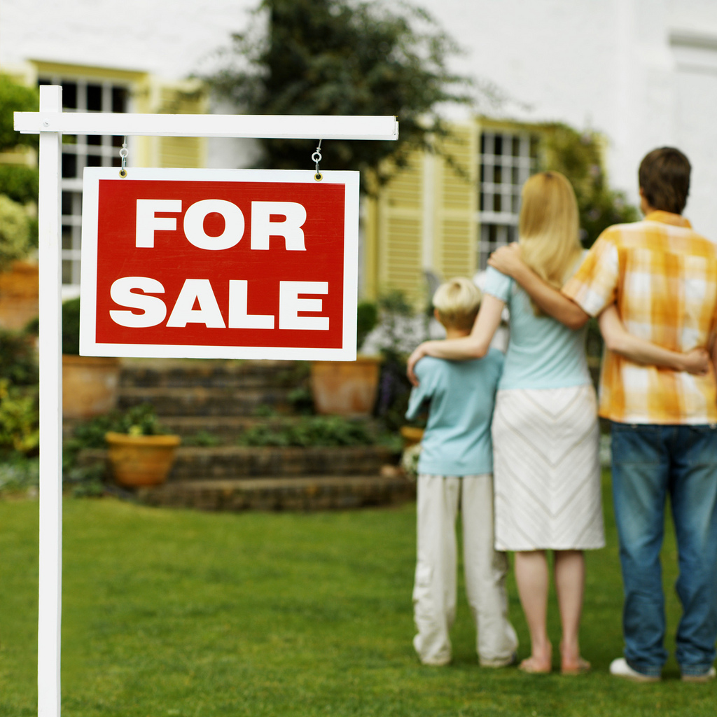 selling a home at an auction