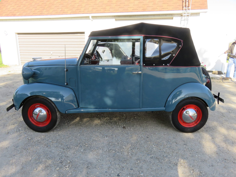 antique car scooter parts collection auction. Black Bedroom Furniture Sets. Home Design Ideas
